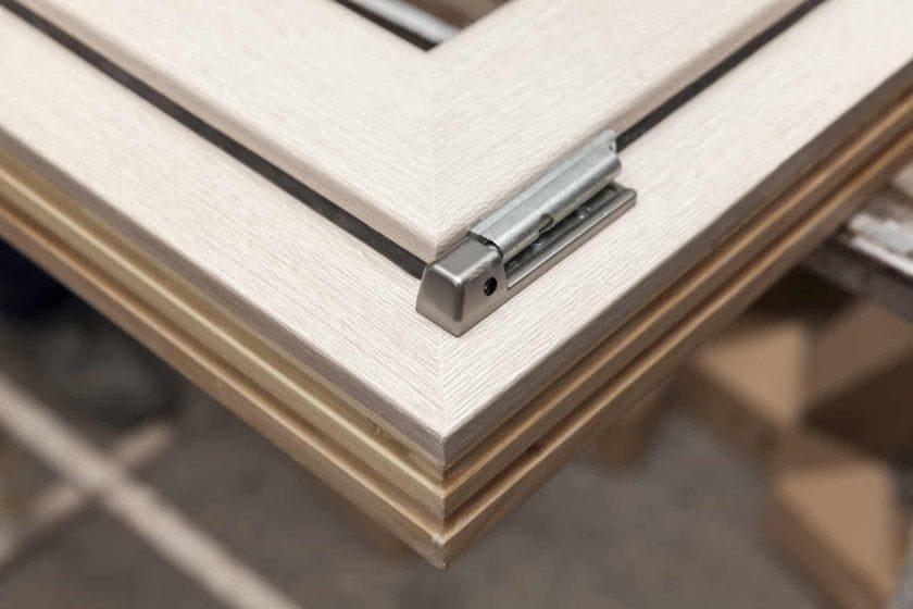 rama okna drewnianego