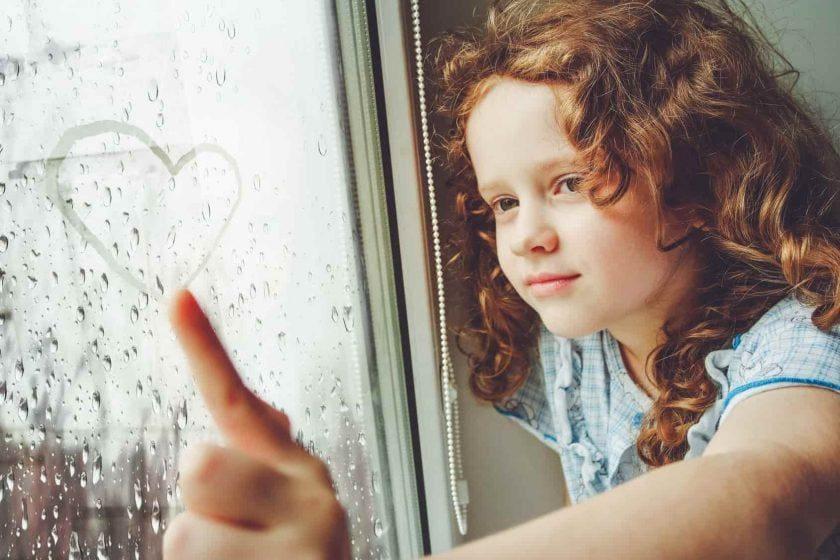 bezpieczne okno dla dziecka