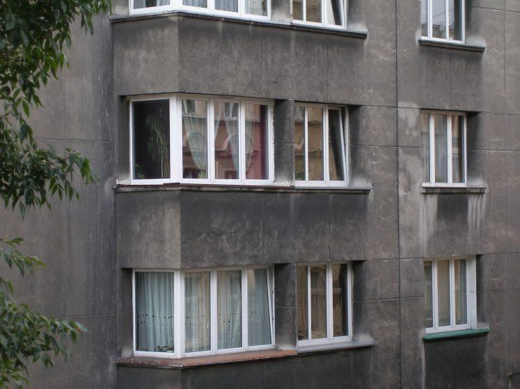 narożne okna