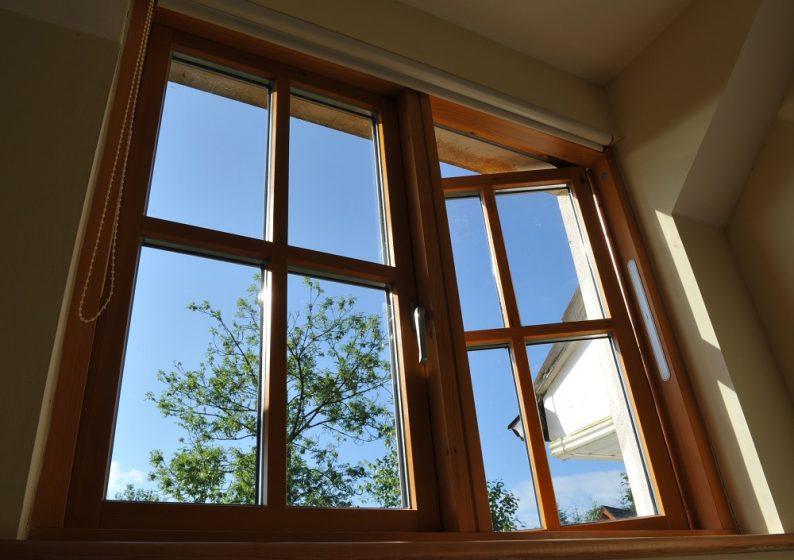 barwa okna drewnianego